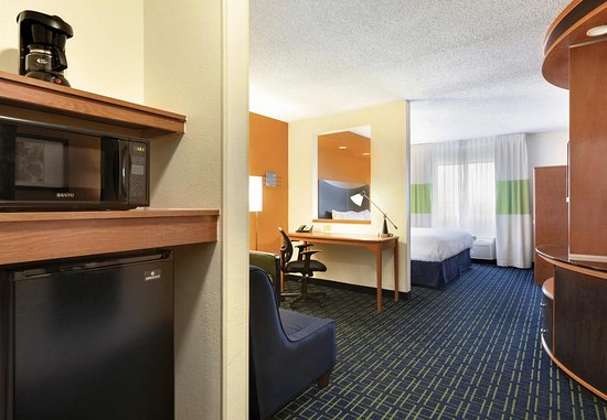 Maumee, OH: Larger Studio Suite Amenities