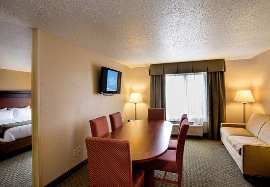 ลิโวเนีย, มิชิแกน: King Suite