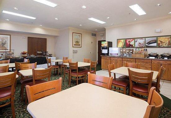 Tracy, Kaliforniya: Breakfast Dining Area