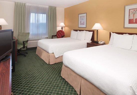Deptford, NJ: Queen/Queen Guest Room