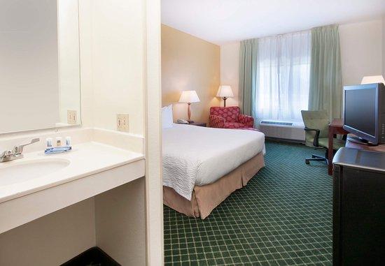 Deptford, NJ: King Accessible Guest Room