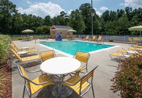 Jacksonville, Karolina Północna: Outdoor Pool