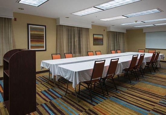 Jacksonville, NC: Meeting Room – U-Shape Setup