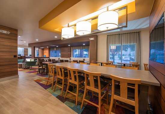 Lewisville, TX: Farm Table