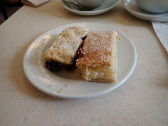 Isle of Bute, UK: Delicious Cakes