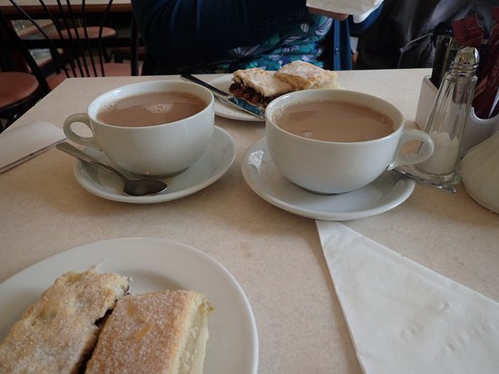 Isle of Bute, UK: Tea for Two