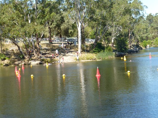Parramatta, Austrália: The swimming area of the lake