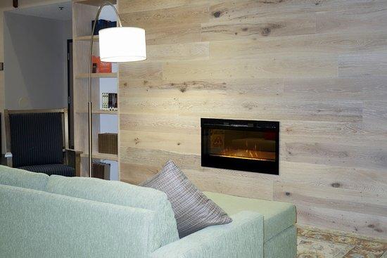 Country Inn & Suites by Radisson, Dahlgren, VA : Lobby