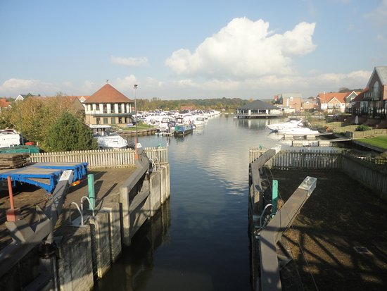 Lincolnshire, UK: One of the views of the Marina on our small walk along the path
