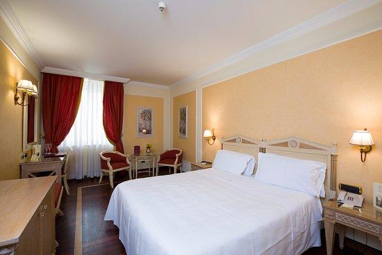 Hotel Palazzo Alabardieri, hoteles en Nápoles