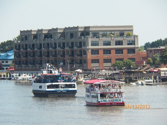 The Islander and Princess Wenonah in downtown Bay City