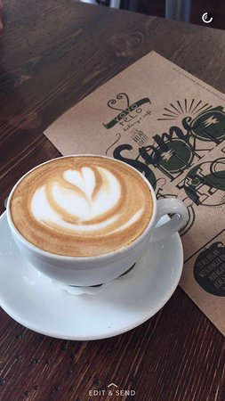 Tokai, Южная Африка: Lovely coffee; stunning food and very friendly and efficient waiter