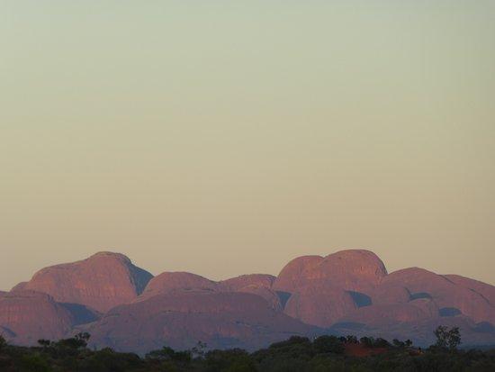 Yulara, Australia: sunrise over Kata Tjuta