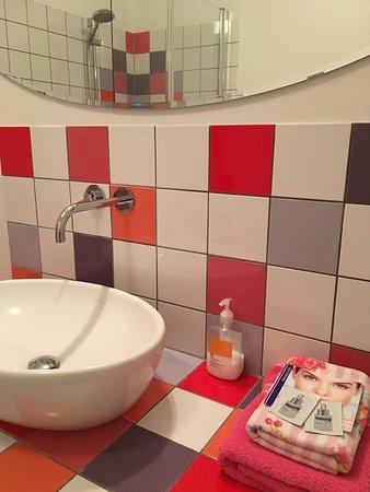 Eys, Pays-Bas : Mooi verzorgde badkamer