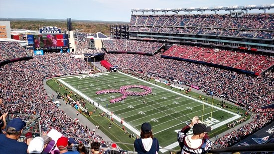 Foxboro, Массачусетс: Breast Cancer Awareness