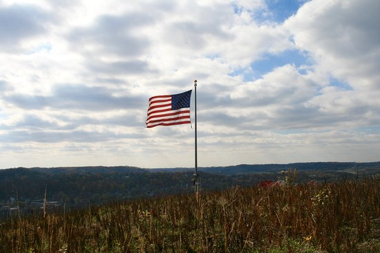 Red Wing, MN: Flag Pole on top of west overlook
