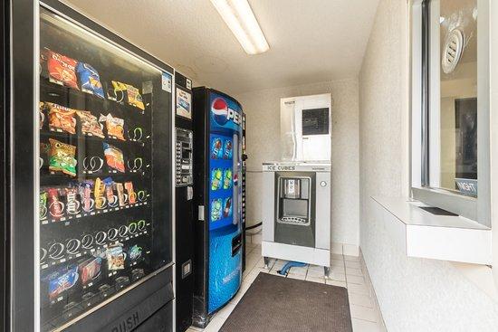 Crawfordsville, IN: Vending