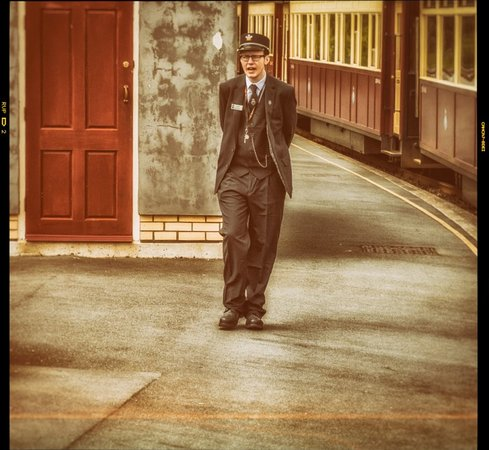 Porthmadog, UK: Whilst stopped at one of the stations on the West Highland Railway I snapped this Porter