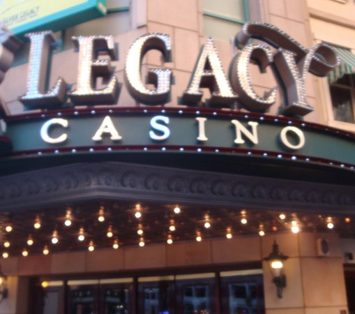 Silver Legacy Resort and Casino: Grand entry