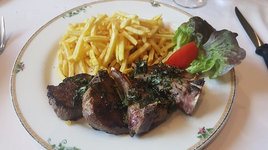 Cossonay, Suiza: Cotelettes d'agneau - Special day