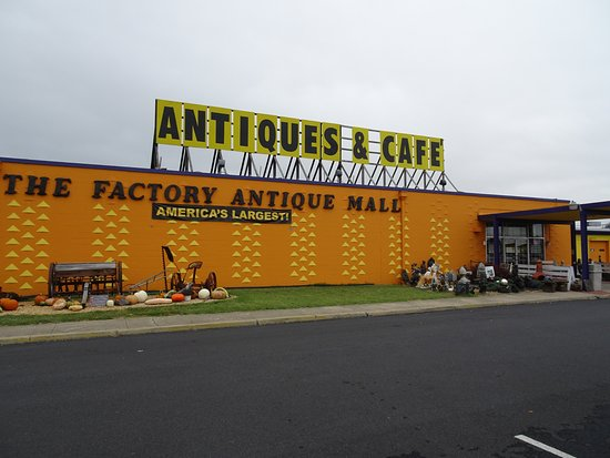 Verona, VA: Outside Factory Antique mall