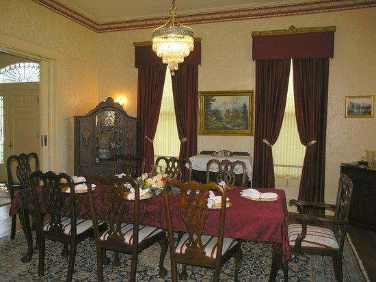 Hernando, MS: Dinning room