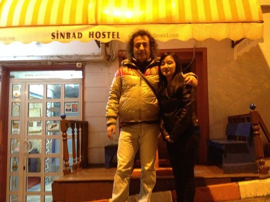 Sinbad Hostel: Friendly environment and yea you can find a lot more cheaper places around for good food.