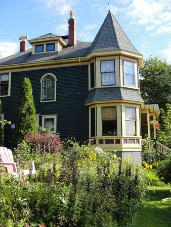 Rothesay House Heritage Inn Bed & Breakfast Photo
