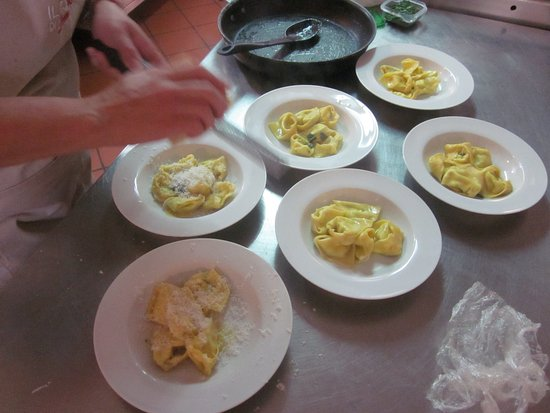 Cooking Vacations Italy: Our tortelonni!