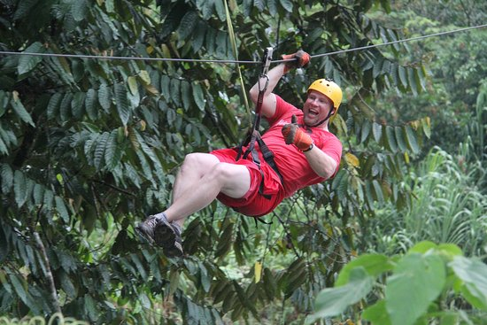 La Virgen, Costa Rica : Zip Lining on the Canopy Tour