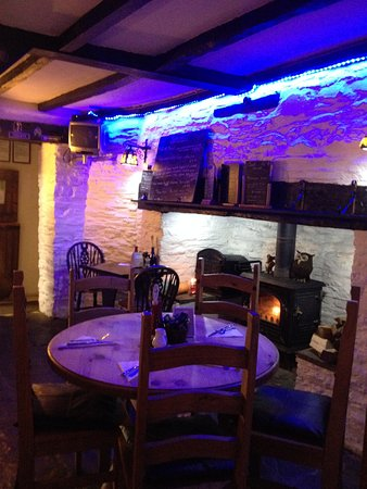 New Radnor, UK: Main Bar