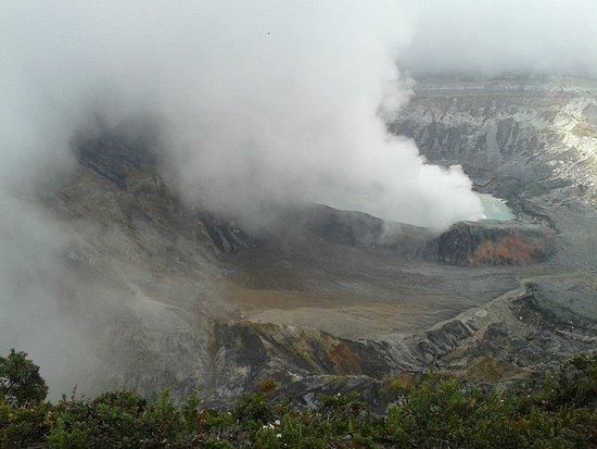 Poas Volcano National Park, Costa Rica: recorrido por volcan poas