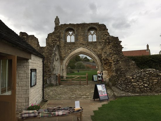 ‪Kirkham Priory‬