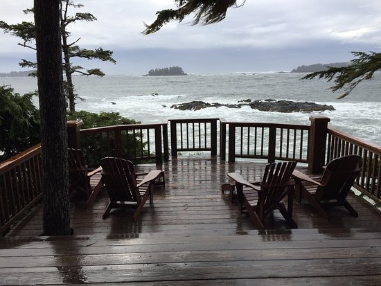 Middle Beach Lodge: Main lodge deck view