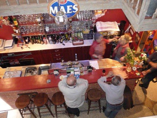 Saint-Gilles, Belgium: Faites vous plaisir avec une bière originale, un verre de vin, ou un café...