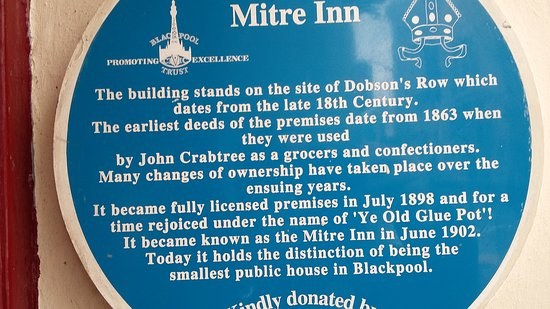 The Mitre Pub: A warm welcome and good beer great atmosphere. A great little pub