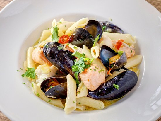 The Boatshed Restaurant: Seafood pasta