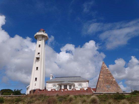Port Elizabeth, Republika Południowej Afryki: Vista da pirâmide e do farol no The Donkin Reserve