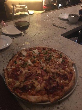Sawtell, Australia: Amazing Atmosphere! Perfect Pizzas! Wonderful Wine List! Stunning Staff!!! My favourite Place...