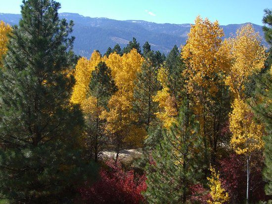 In Fall, the mountains surrounding  Cascade area are so colorful.