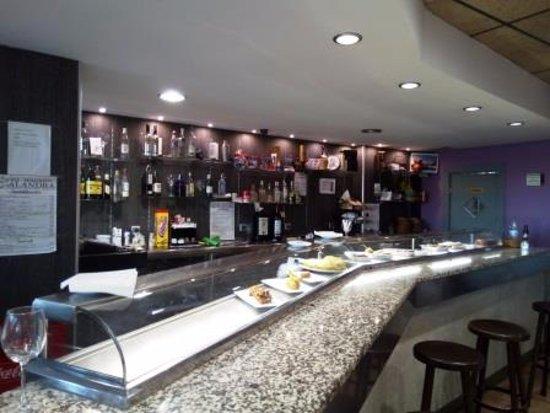 Utebo, สเปน: Barra restaurante