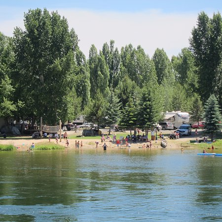 Cascade, Idaho: Peaceful setting, private beach, relaxing yet exciting !