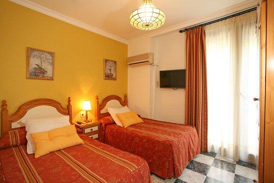 Pension Zurita: Habitación doble 2 camas con baño