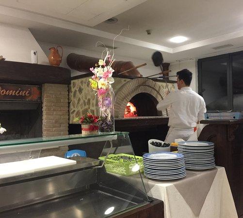Sigillo, Italien: Dinner-gluten free pizza