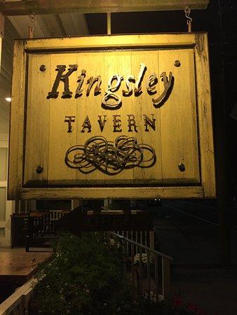 Kingsley Tavern: Main Street in Kent CT