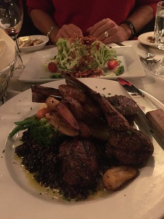 Kent, Коннектикут: Dinner at the Fife. Lamb plate is incredible.