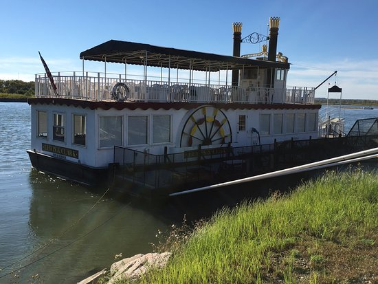 Lewis and Clark Riverboat: The boat