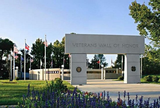 ‪Veterans Wall of Honor‬