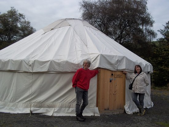Carno, UK: This is the communal lodge where you can eat your food together.