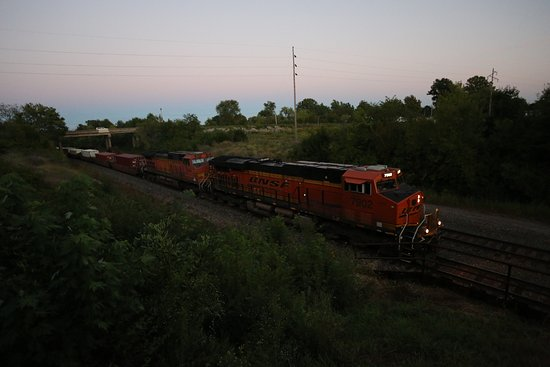 Depot Inn & Suites: View of a passing train from Lookout Point, part of the hotel grounds.